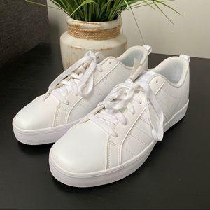 NWT Adidas women white sneakers